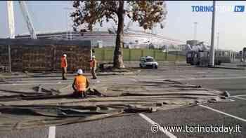 Davanti allo Stadium l'allestimento del drive-in per i tamponi rapidi: video - TorinoToday