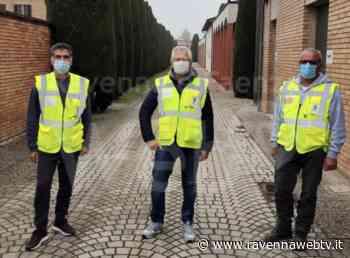 Cotignola: i volontari della Protezione civile impegnati nei cimiteri per la commemorazione dei defunti - Ravenna Web Tv - Ravennawebtv.it