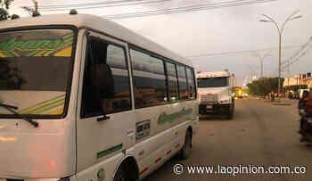 Transportadores protestan por el mal estado de la vía Astilleros-Tibú - La Opinión Cúcuta