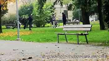 Voghera, zona rossa: si gioca a calcetto davanti alla stazione - La Provincia Pavese
