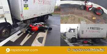 Jovem se fere gravemente após colidir moto em caminhão em Engenheiro Coelho - Rápido no Ar