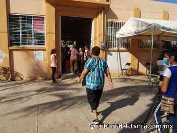 Reciben pensión personas de la tercera edad en San José del Valle - Noticias en Puerto Vallarta - Tribuna de la Bahía