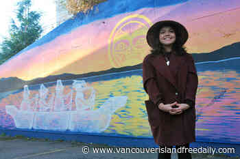 Snaw-naw-as artist honoured for painting mural in Lantzville - vancouverislandfreedaily.com