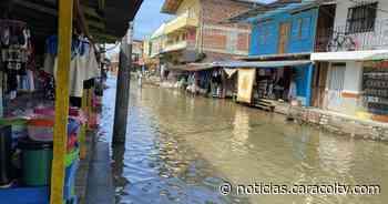 Vigía del Fuerte, bajo el agua tras desbordamiento de los ríos Arquía y Murrí - Noticias Caracol