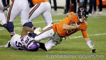Monday Night Football: Nick Foles carted off late as Vikings earn 19-13 win over Bears