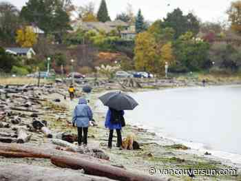 Powerful winds, high tides raise flooding concerns as storm sweeps across B.C.