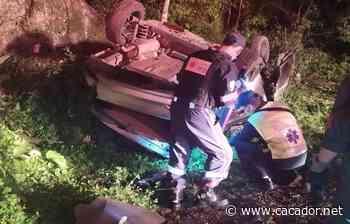Acidente de trânsito: Homem morre após capotamento em Curitibanos - Caçador Online
