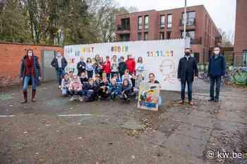 Leerlingen zetten met muurschildering schouders onder Changemakers-campagne van 11.11.11