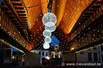 Kerstbomen en -verlichting moeten afgelaste kerstmarkt in Gent doen vergeten