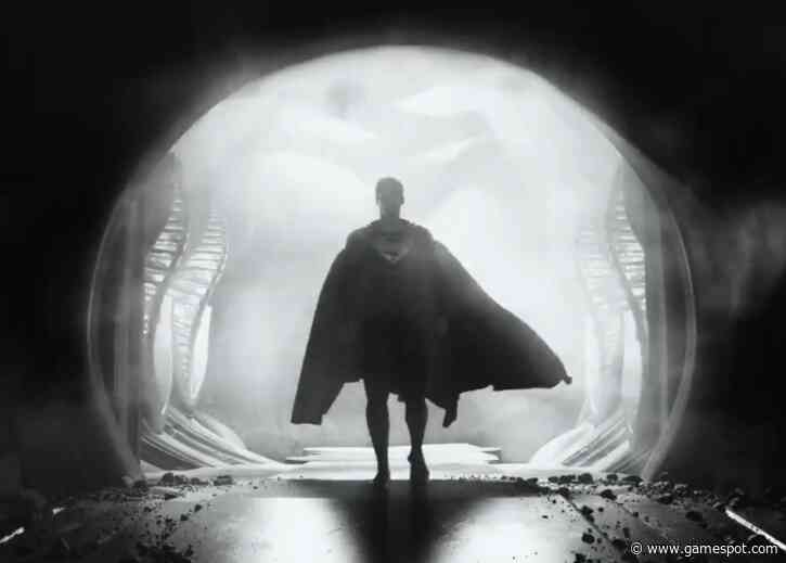 Zack Snyder Releases Black-And-White Justice League Trailer