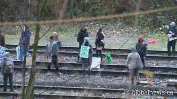 Anti-pipeline protestors block rail line near Burnaby-Coquitlam border