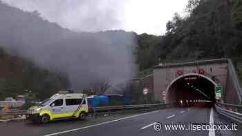 Auto in fiamme in A12, riaperto il tratto tra Nervi e Recco in direzione Livorno - Il Secolo XIX