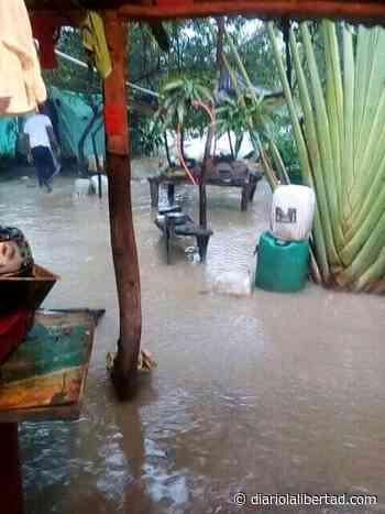 Desbordamiento de arroyo, inunda viviendas del barrio Marcos Lopera de Repelón, Atlántico - Diario La Libertad