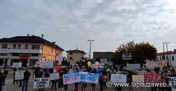 """Scoppia la protesta: """"Non vogliamo l'antenna sopra le nostre teste"""" - La Piazza"""