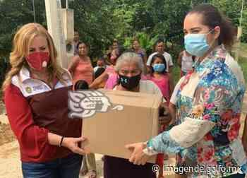 Ayuda Yuleana Sánchez a familias inundadas de Sayula - Imagen del Golfo