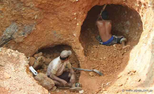 Rescatan a 14 personas atrapadas en una mina en Barranco de Loba, Bolívar - El País
