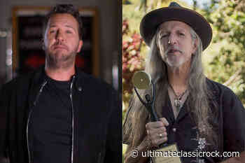 Luke Bryan Inducts the Doobie Brothers Into Rock Hall of Fame - Ultimate Classic Rock