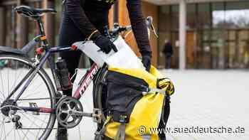 Pass per Fahrradkurier: Mehr Freiburger nutzen Lieferservice - Süddeutsche Zeitung
