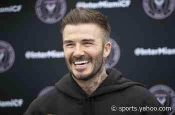 Doting David Beckham shares adorable clip of him baking with daughter Harper - Yahoo Sports