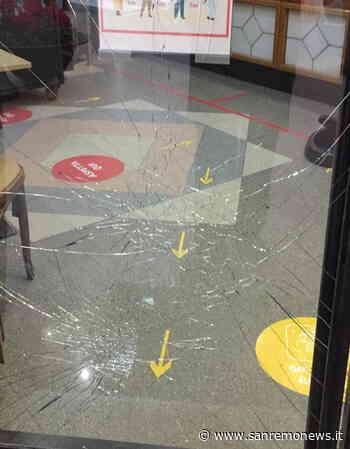 Ventimiglia: tentato furto con spaccata stanotte ai danni del bar Canada in via Aprosio (Foto) - SanremoNews.it