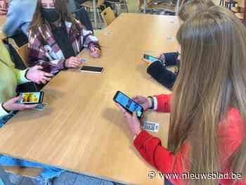 Onderwijs in coronatijden in College ten Doorn: minder leerlingen op school en plaatsje reserveren in refter