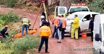 Fallece conductor tras caer su auto a profundo barranco - Pulso Diario de San Luis