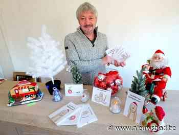 Vrijwilliger Frank verkoopt kerstkaarstjes voor eerste Ronald McDonaldhuis