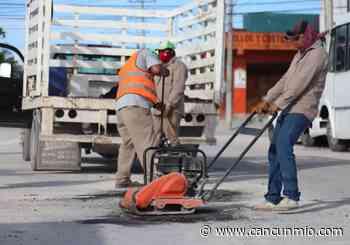 Se reinician trabajos de bacheo en Puerto Morelos - Cancún Mio