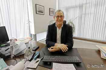Le nouveau maire de Franqueville-Saint-Pierre, près de Rouen, affiche et affirme son style - actu.fr