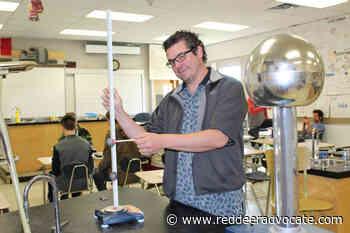 Sundre physics teacher receives award – Red Deer Advocate - Red Deer Advocate