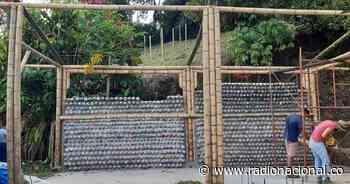 La rueda: el rincón de lectura que construyen en Manizales con ecoladrillos - http://www.radionacional.co/
