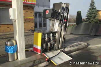 Zapfpistole vergessen und Tanksäulen in Lohfelden umgerissen - Hessennews TV