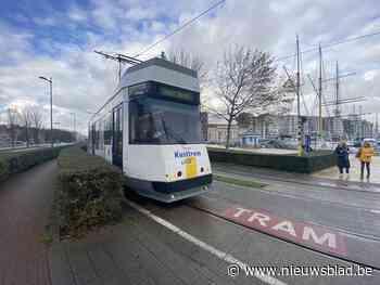 Vlotter overstappen, latere bediening van de tramhaltes en vervoer op maat: nieuw vervoersplan regio Oostende tegen 2022 van start