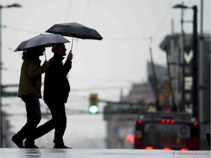 Vancouver Weather: Showers, risk of a thunderstorm later