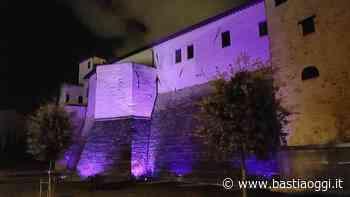 La Rocca Baglionesca di Bastia Umbra si colora di viola - Bastia Oggi