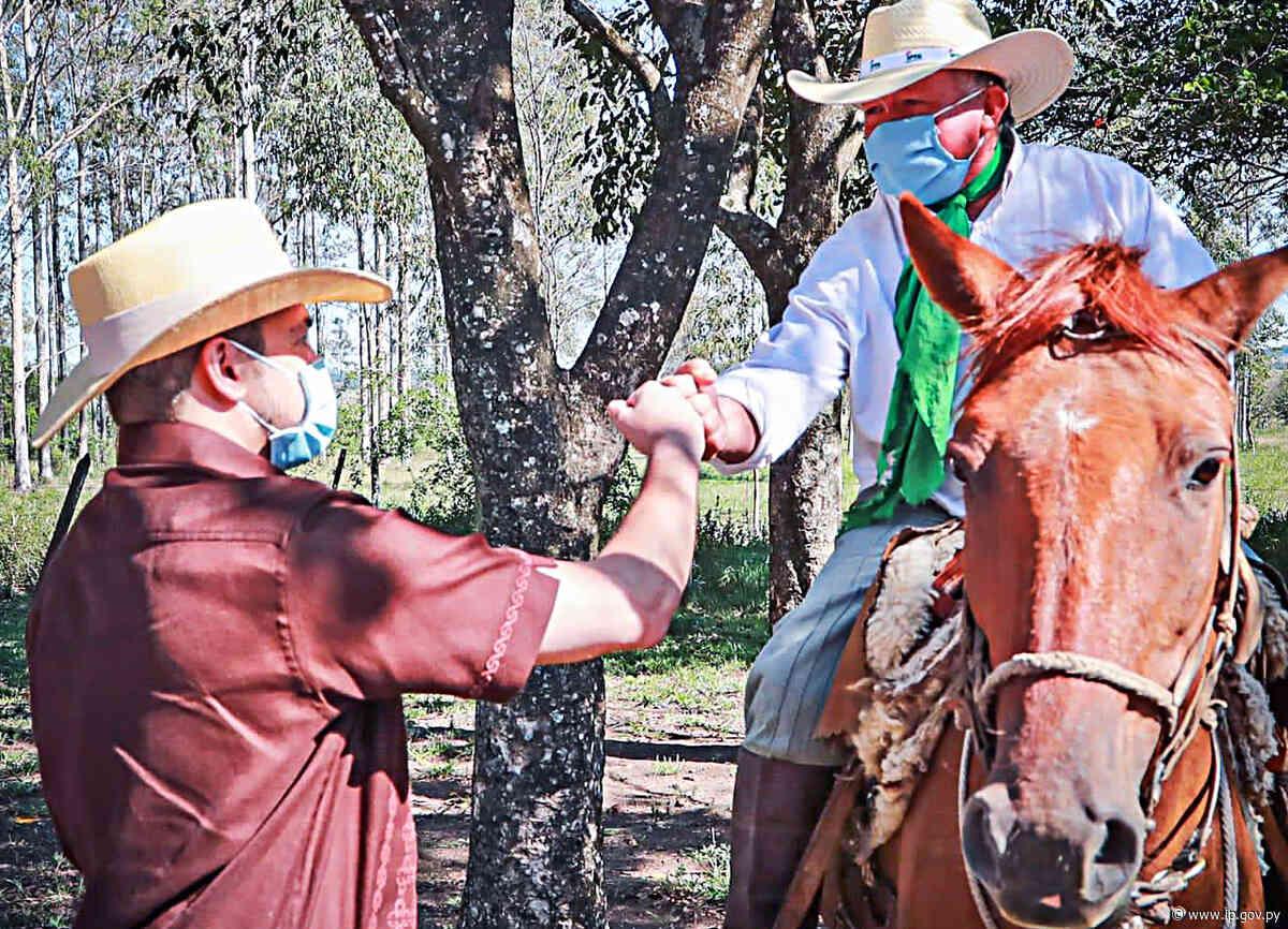 Presidente visitó campo experimental del IPTA en Caapucú   - ip.gov.py