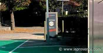 Simiane-Collongue : une borne de recharge pour voitures électriques - La Provence