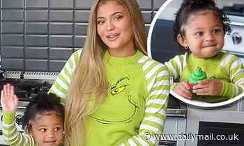 Kylie Jenner makes green cupcakes with her daughter Stormi to celebrate Grinch-themed cosmetics