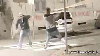 Pestaggio alla Spezia, tutta la violenza del branco in un video choc finito sui social - Il Secolo XIX