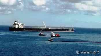 Savona, combustibile in mare durante un rifornimento: operazione di bonifica - IVG.it