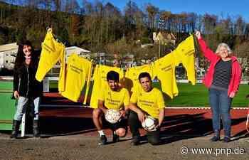Mit neuen Trikots zu neuen Taten: Brückenschul-Fußballer in leuchtendem Gelb - Passauer Neue Presse