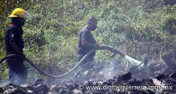Sofocan Bomberos de Acapulco incendio en basurero clandestino en Llano Largo - Digital Guerrero