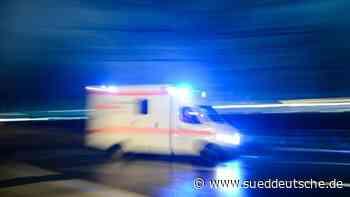 Wagen stößt mit Sattelzug zusammen: Ein Schwerverletzter - Süddeutsche Zeitung