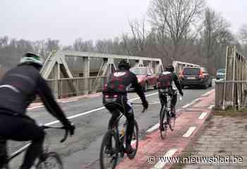 """Burgemeester vindt het stilaan welletjes na jaren wachten op nieuwe brug: """"Wil de Vlaamse overheid wachten tot er rampen gebeuren?"""""""