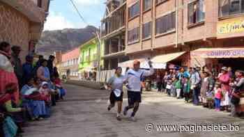 Alcaldía de Sorata organiza «Carrera de parejas» contra la violencia a la mujer - Pagina Siete