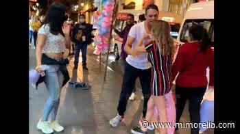 """""""Que osoooo!""""; graban a pareja mientras pelea en el centro de Morelia - MiMorelia.com"""