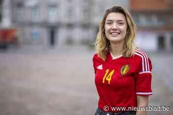 """Janne (21) klaar om vliegende reporter te worden tijdens wedstrijden Rode Duivels en Red Flames: """"Ik heb al een truitje van Dries Mertens"""""""