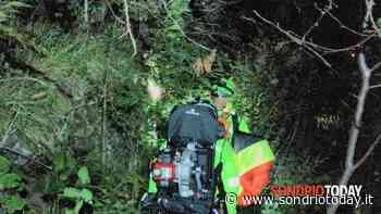 Cosio Valtellino, scivola nel bosco al buio: soccorso 65enne - SondrioToday