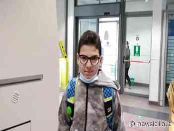 Aci Catena: cliente dimentica 600 euro alla Posta, bambino li trova e glieli fa restituire - NewSicilia
