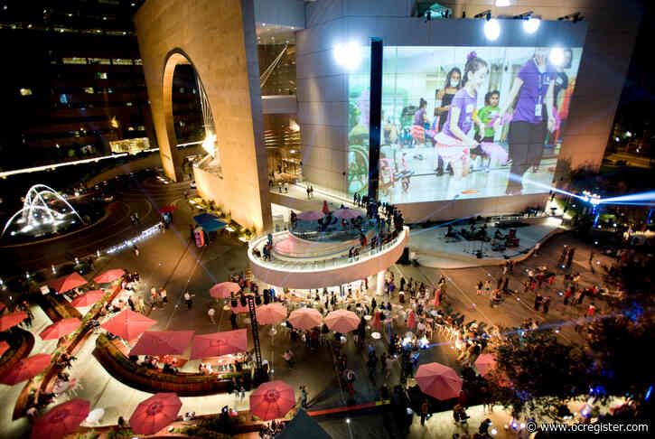 Segerstrom Center for the Arts reopens its outdoor plaza for socially distanced entertainment
